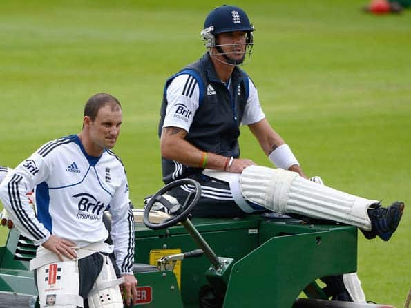 Kevin Pietersen sent text messages to South African players during second Test