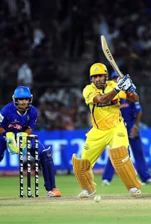 Big bats drive Chennai  to 196