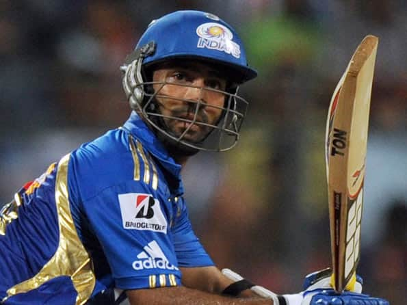 IPL 2012: Dinesh Karthik says Wankhede pitch ideal for Tests, not T20