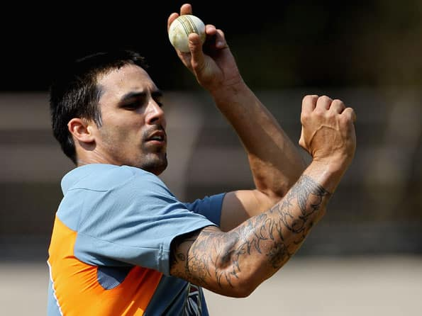 Mitchell Johnson injures ankle in Sheffield Shield match