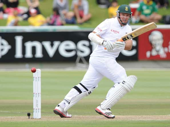 South Africa hold edge over Australia after 23 wickets fall on 2nd day