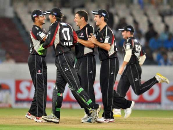 Auckland crawl to 125 against Somerset
