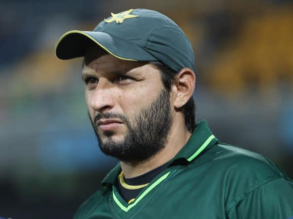 Shahid  Afridi comes out of retirement once again