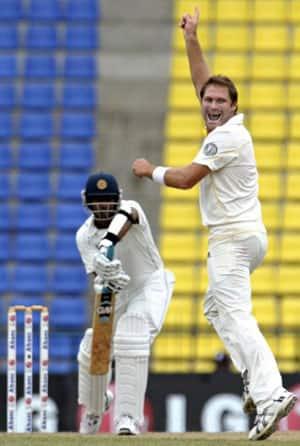 Strike bowler Ryan Harris likely to miss third Test against Sri Lanka