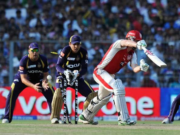 Live Cricket Score IPL 2012: Kolkata Knight Riders vs Kings XI Punjab - KKR to chase 135