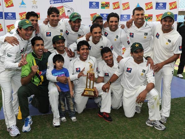 Pakistan complete series clean sweep over England