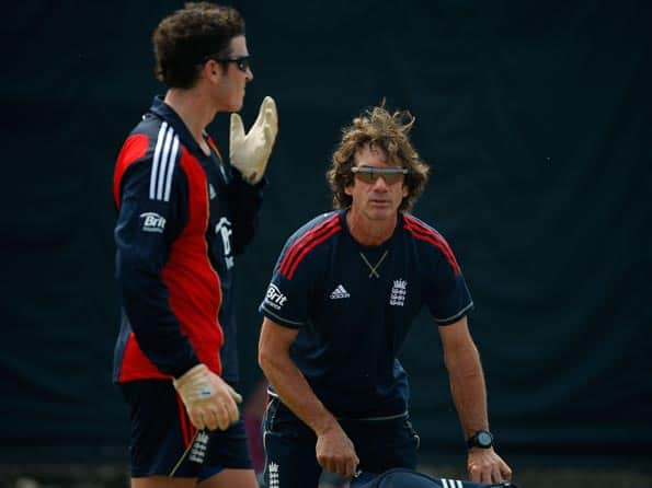 Dhoni's skills on par with Healy, says England wicket-keeping coach