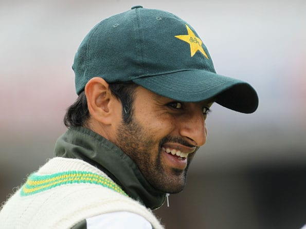 Shoaib Malik, Abdul Razzaq unlikely to play in limited-overs series against England