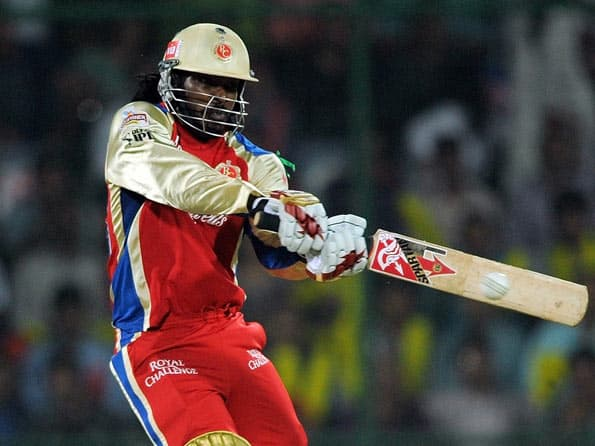 Chris Gayle ton lifts Royal Challengers Bangalore to 215 against Delhi Daredevils