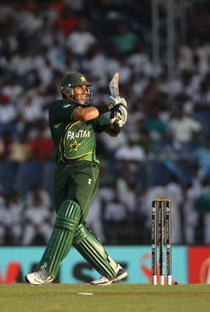 Misbah to replace Afridi as limited overs skipper