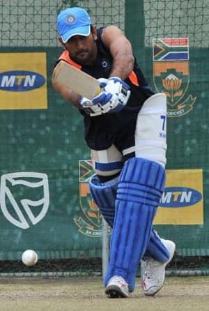 MS Dhoni drops down in ICC ODI Rankings for batsmen