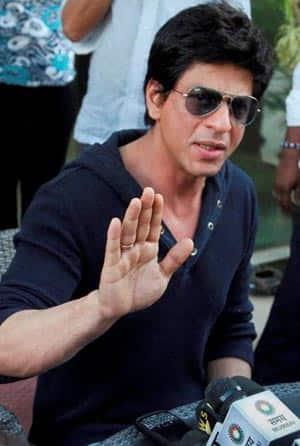 Shahrukh Khan is villain in real life: Bal Thackeray