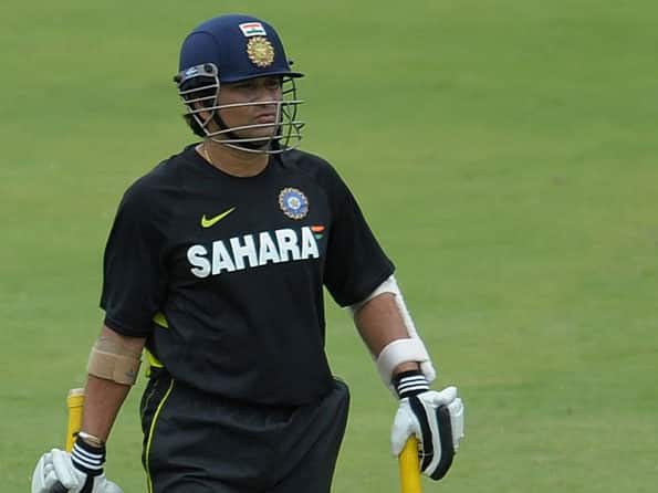 Sachin Tendulkar should continue playing, opines Graeme Pollock