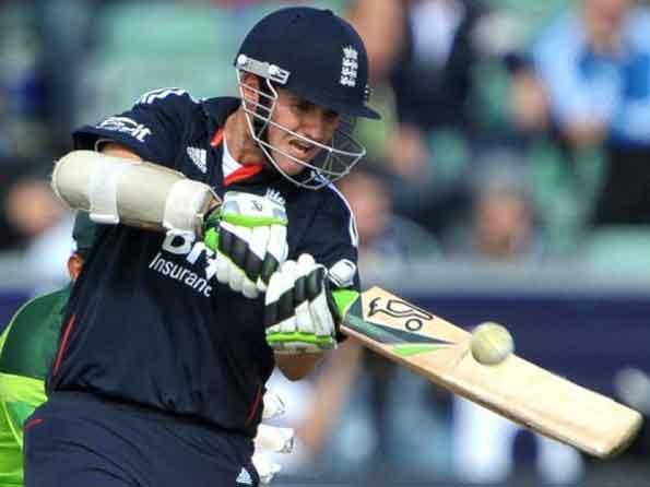 England's Steve Davies announces he is gay