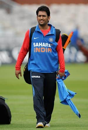 Dhoni snubbed by Lancashire Academy manager