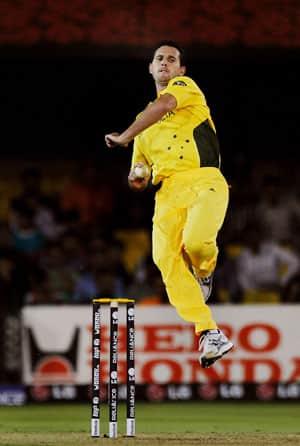 South Australia Redbacks hopes Shaun Tait fires in CLT20