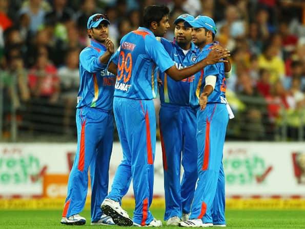 Live Cricket Score India vs Australia, first T20 match at Sydney: Australia reach 171/4