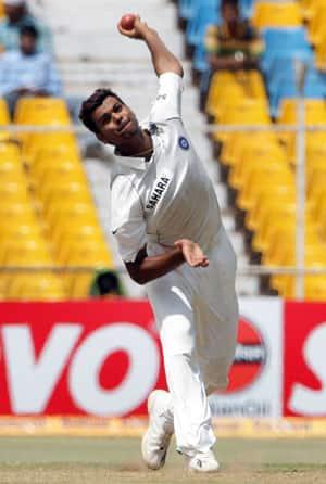 RP Singh to replace injured Zaheer