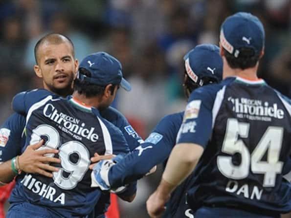Deccan stun woeful Mumbai in low-scoring game