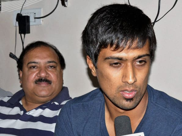 IPL 2012: T20 league is spoiling youngsters, says Anna Hazare