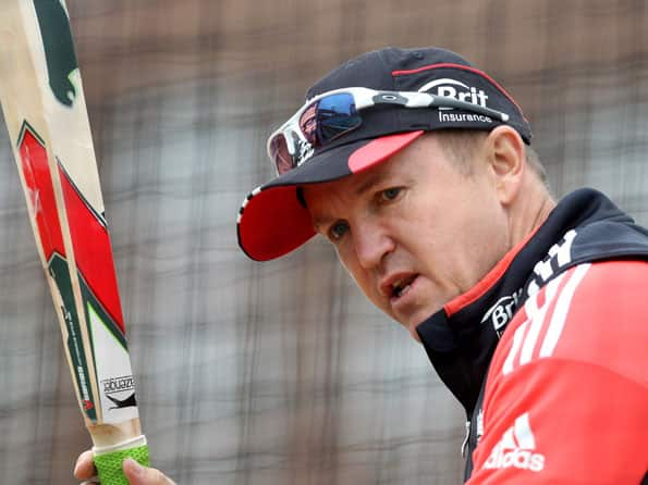 England coach Flower to examine his performance
