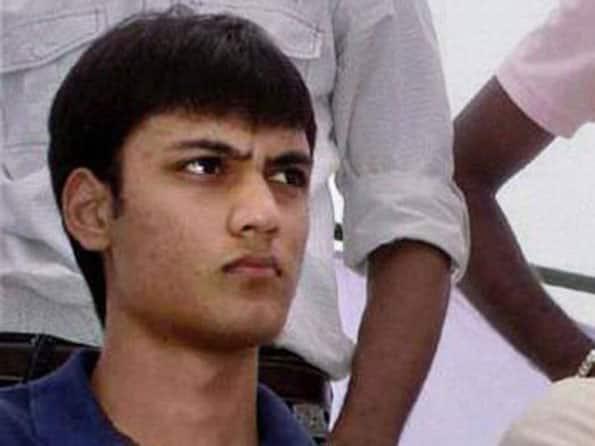Bollywood mourns death of Azharuddin's son Ayazuddin