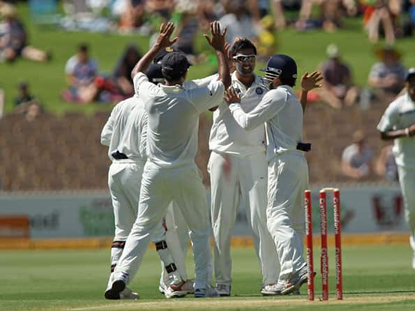 Australia lose top order as Ashwin shines on day one