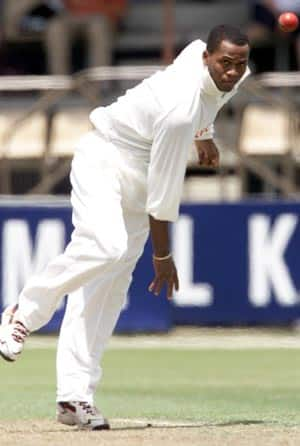 ICC clears Marlon Samuels' bowling action