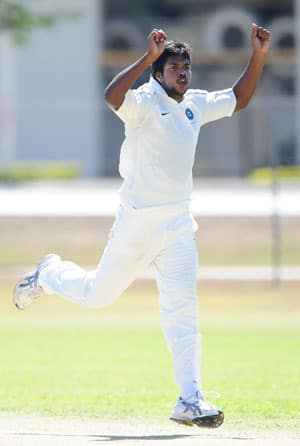 Akram says India are wasting Varun Aaron in England