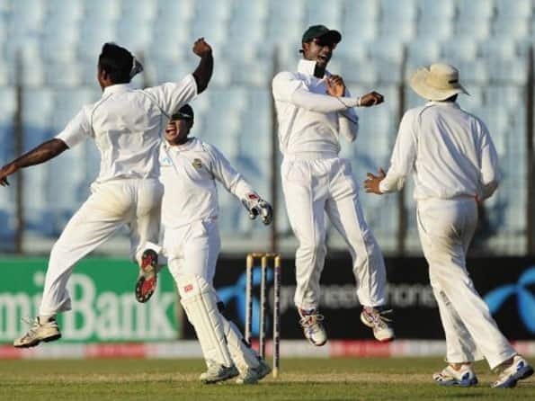 Bangladesh make early inroads against West Indies