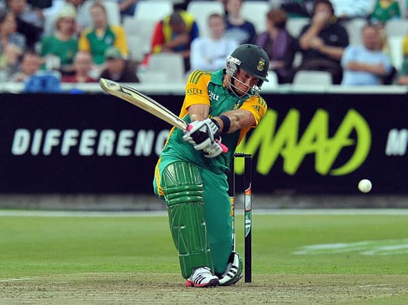 Kallis, Ingram half-centuries fire South Africa to 219 against India