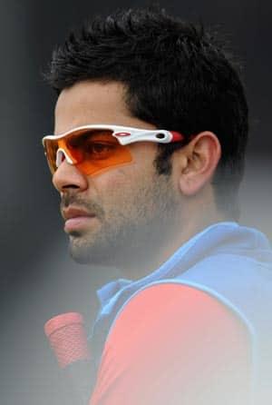 Virat Kohli escapes unhurt from a cricket academy inauguration