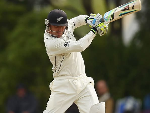 Brendon McCullum, Ross Taylor keep New Zealand s hopes alive on day four