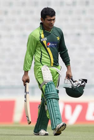 Kamran, Malik and Kaneria miss out on Pakistan central contract