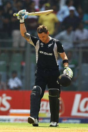 McCullum, Guptill guide New Zealand to a respectable total