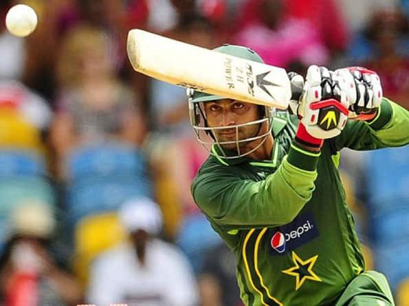 PCB serves show-cause notice to Hafeez and Akmal