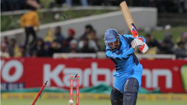 Live Cricket Score: Nashua Titans vs Sydney Sixers, Champions League T20 2012 semi-final
