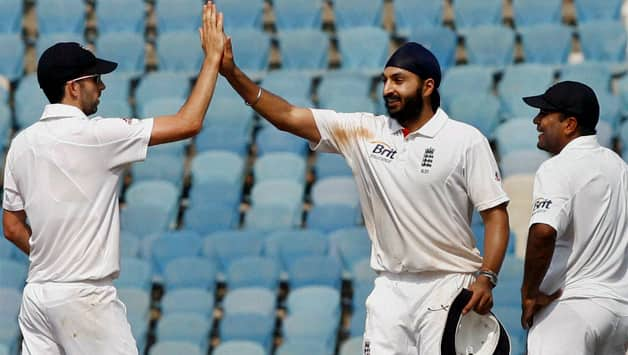 Live Cricket Score: India vs England, second Test match at Mumbai - Day One