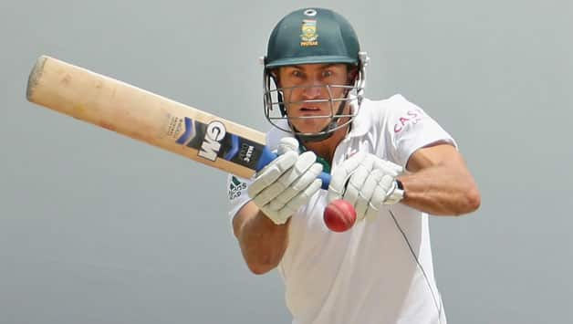 Faf du Plessis must refrain from attacking game to excel in Tests: Coach