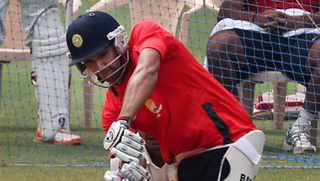 Ranji Trophy 2012: Rohit Sharma, Manoj Tiwary eye Test spot