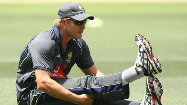 Shane Watson: Michael Clarke and I have to help young guys