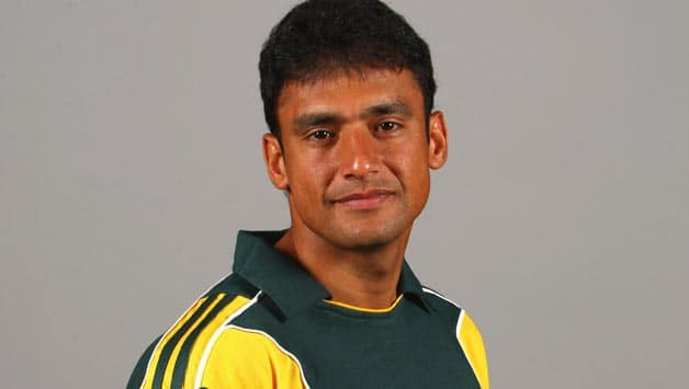 Yasir Arafat urges more Pakistanis to play county cricket
