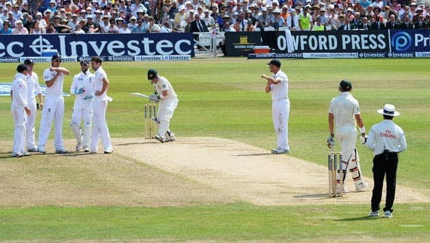 Ashes 2013: Brad Haddin, Jonathan Trott's dismissals highlight the lack of uniformity in implementation of DRS