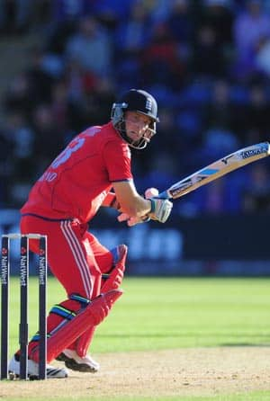 England defy Clint McKay's hat-trick to level series in 4th ODI