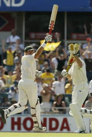 Matthew Hayden scores 380 against Zimbabwe at Perth; beats Brian Lara's world record