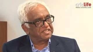 Justice Mukul Mudgal watches Indian Super League tie with Sourav Ganguly