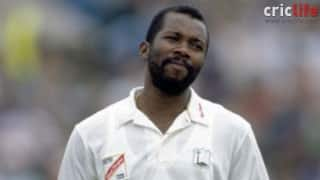 Malcolm Marshall receives 'erotic' lessons from beyond the boundary!