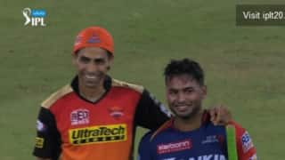 Video: Ashish Nehra's words of wisdom to young Delhi lad Rishabh Pant