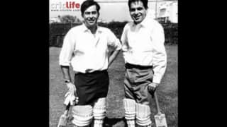 Cricket buffs Raj Kapoor and Dilip Kumar in an unusual partnership