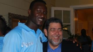 Darren Sammy receives political backing; St. Vincent & Grenadines PM calls sacking 'unacceptable'